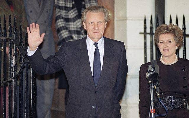 מייקל הזלטיין ורעייתו אן (צילום: AP Photo/Malcolm Linton)