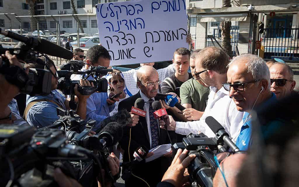"""עו""""ד רם כספי מגיע לשימוע לנתניהו במשרד המשפטים (צילום: Noam Revkin Fenton/Flash90)"""