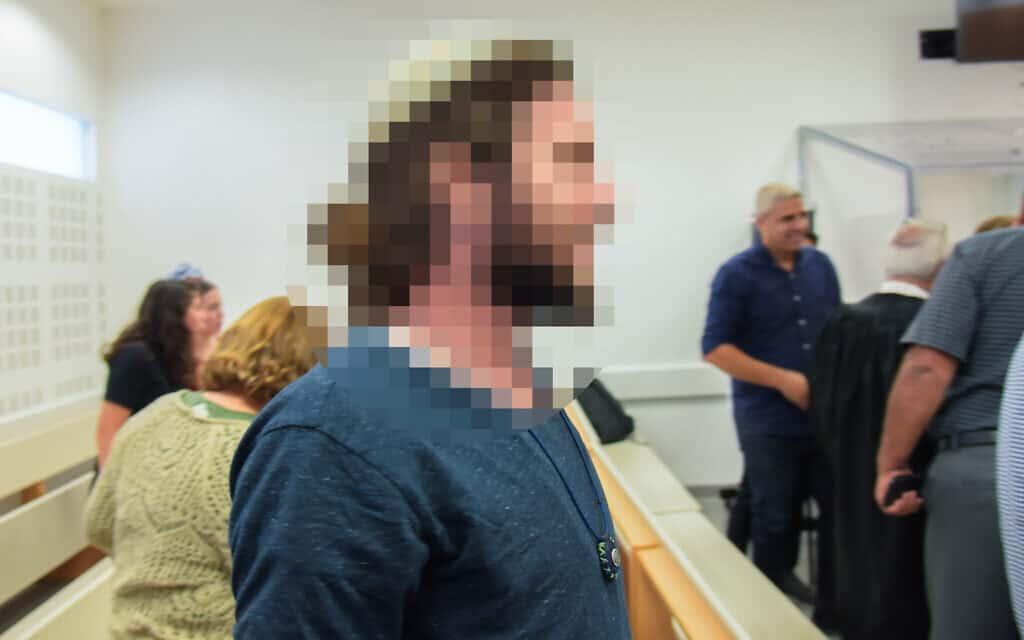 הקטין היהודי מגיע לשמיעת פסק הדין על מעורבותו בהצתה בדומא, 24.10.19 (צילום: Avshalom Shoshani/Flash90)