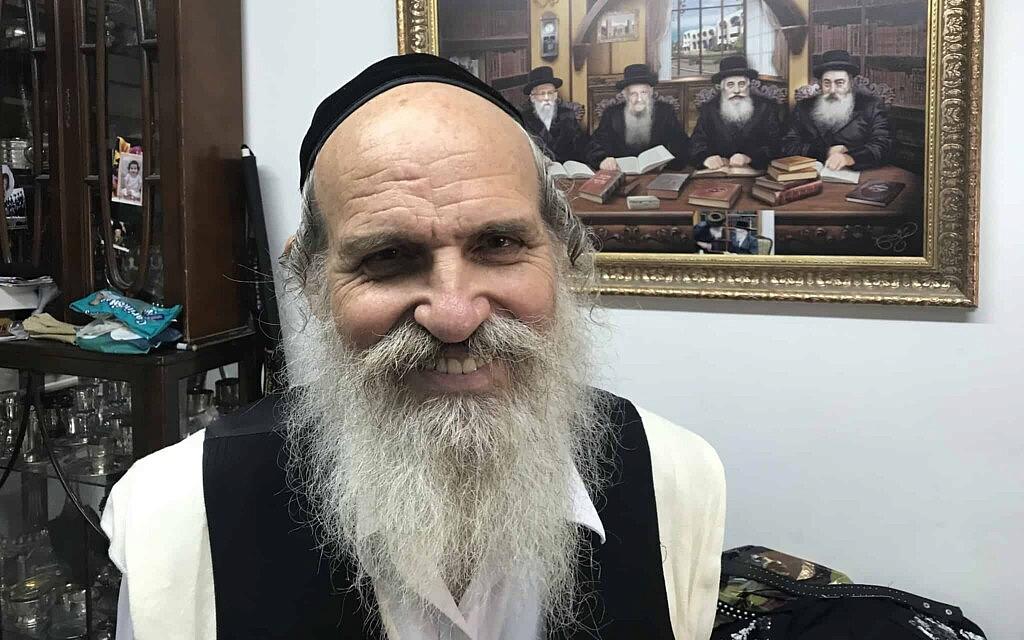דודי זילברשלג בביתו בחיפה. 30 באוקטובר 2019 (צילום: אמיר בן-דוד)