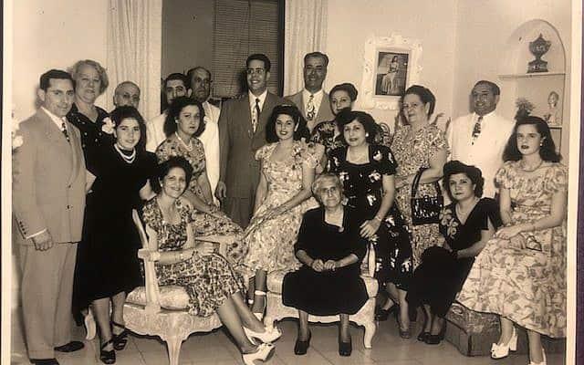משפחתה של ג'ני מילגרום בהוואנה, קובה, בשנות ה-40 של המאה הקודמת. התמונה צולמה לפני המהפכה הקובנית והגירת המשפחה לארצות הברית (צילום: באדיבות ג'ני מילגרום)