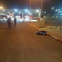 הזירה בה נורה ונהרג הערב פלסטיני חמוש בסכין במעבר גבול תאנים ליד טול-כרם (צילום: רשות המעברים במשרד הבטחון)