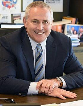 עורך דין מרק סטנלי, אשר יקבל משלדון אדלסון פיצויים על תביעת השתקה שהגיש נגדו (צילום: Stanley Law Group)