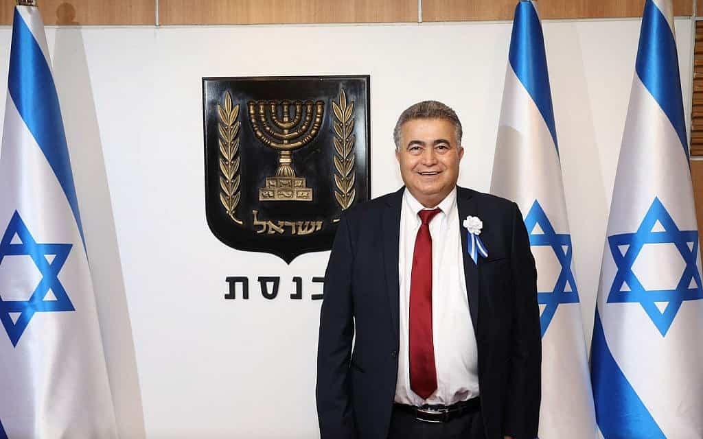עמיר פרץ ביום השבעת הכנסת ה-22 (צילום: דוברות הכנסת)