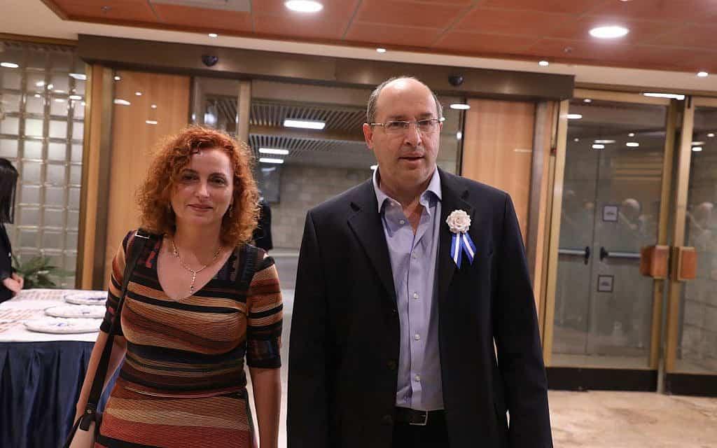 אבי ניסנקורן ביום השבעת הכנסת ה-22 (צילום: דוברות הכנסת)