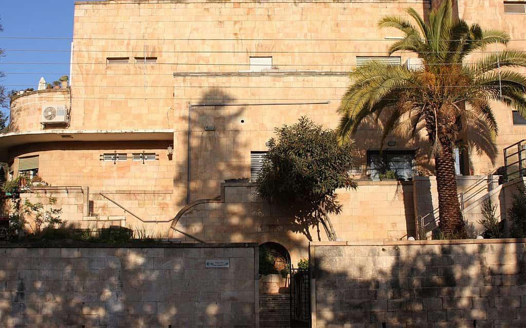 """""""וילה לאה"""" עוצבה ב-1936 עבור לאה טננבאום, בתו של סוחר חרדי עשיר מירושלים (צילום: שמואל בר-עם)"""