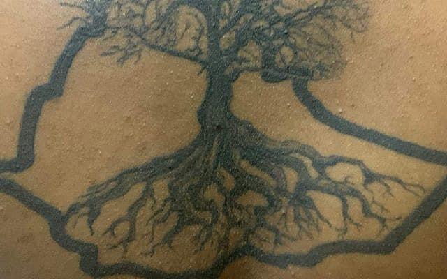 הקעקוע של עדן אמרה, מפת אתיופיה שמתוכה צומח עץ