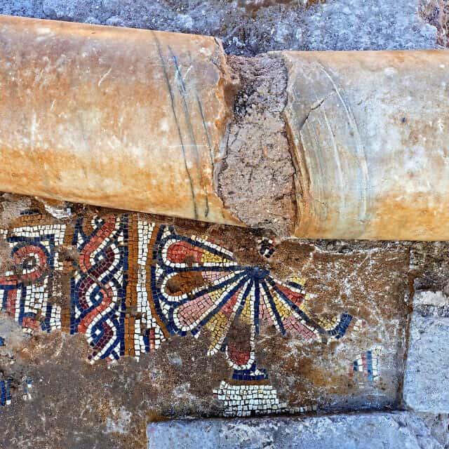 עמוד שנמצא במתחם הכנסייה מהתקופה הביזנטית ברמת בית שמש, 2017 (צילום: אסף פרץ, רשות העתיקות)