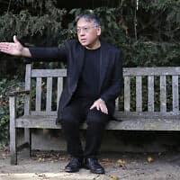 זוכה פרס נובל בספרות קאזואו אישיגורו (צילום: AP Photo/Alastair Grant)