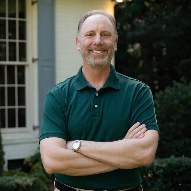 מאט ליברמן, בנו של הסנאטור לשעבר ג'ו ליברמן, ליד ביתו בג'ורג'יה