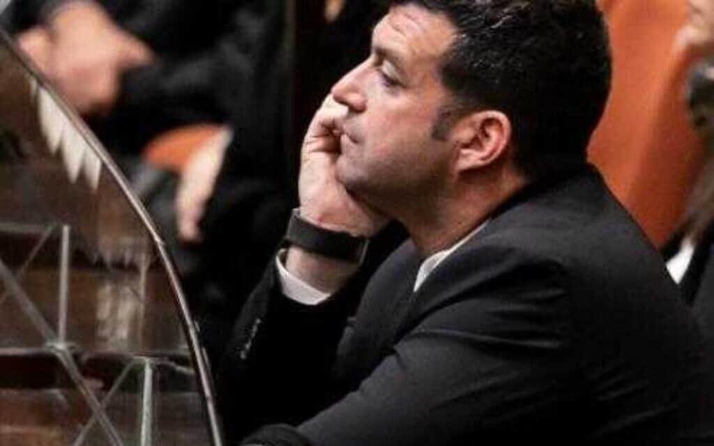 יונתן בן-ארצי ביציע הכנסת בישיבה לציון 24 שנים לרצח רבין (צילום: גדעון שרון / דוברות הכנסת)