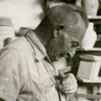 אמן הקרמיקה הארמני דוד אוהנסיאן (צילום: Wikimedia commons/CC-SA-3.0/Lantuszka)