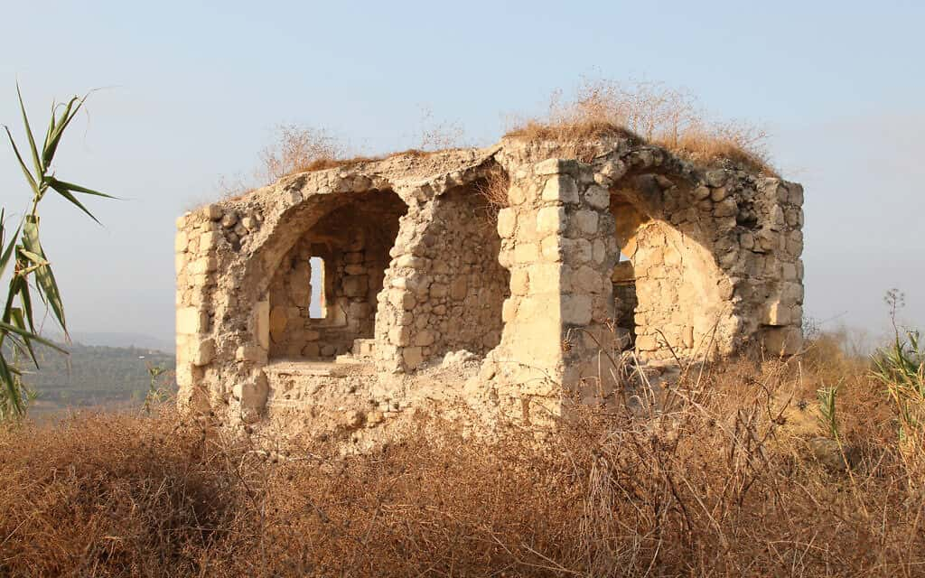 מבצר לטרון נבנה בשנות ה-1130 על ידי רוזן ספרדי והופקד בידי מסדר הטמפלרים (צילום: שמואל בר-עם)
