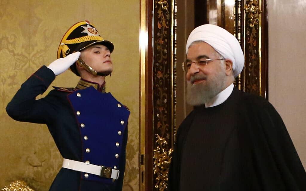 נשיא איראן רוחאני מתקבל בהצדעה במוסקבה (צילום: Sergei Karpukhin/Pool photo via AP, File)