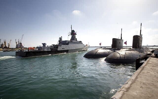 ספינת טילים של חיל הים הרוסי מפליגה ממתקן הצי הרוסי בנמל טרטוס, סוריה. ספטמבר 2019 (צילום: AP Photo/Alexander Zemlianichenko)