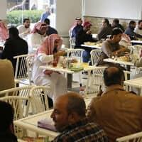 מסעדה בסעודיה, 9 בדצמבר 2019 (צילום: AP)