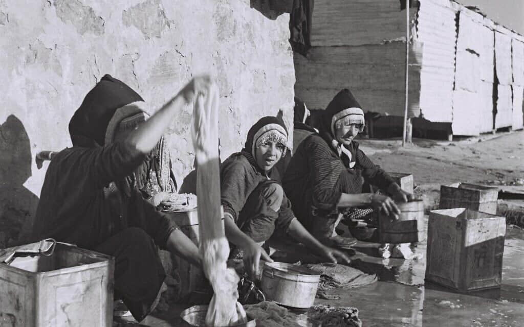 """עולות מתימן במעברה (צילום: דוד אלדן לע""""מ)"""