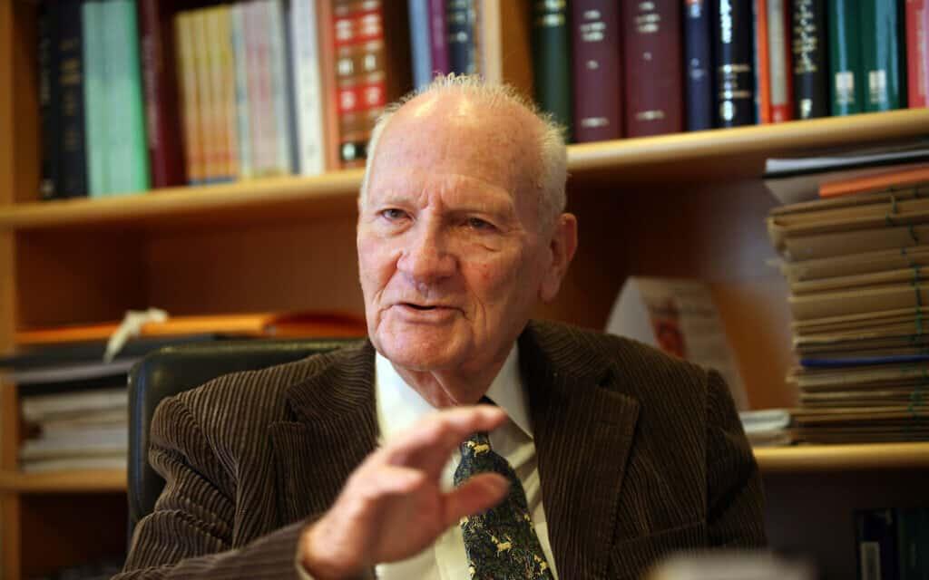 נשיא בית המשפט העליון לשעבר מאיר שמגר ב-2008 (צילום: יוסי זמיר/פלאש90)