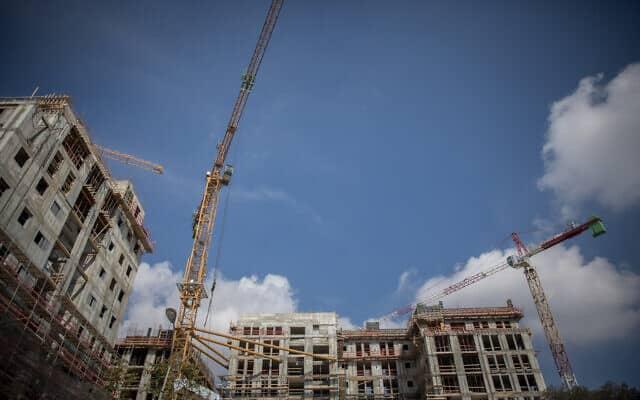 שכונה חדשה בבנייה (צילום: Yonatan Sindel/Flash90)