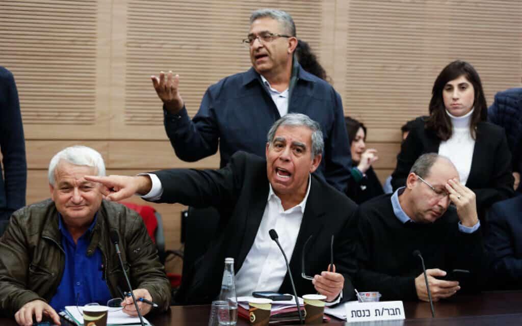 מיקי לוי בוועדת הכספים של הכנסת, היום (צילום: אוליבייה פיטוסי, פלאש 90)