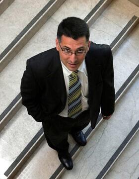 גדעון סער אחרי שנבחר לכנסת ב-2006 (צילום: נתי שוחט/פלאש90)