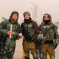 חיילים בגוש עציון, היום (צילום: גרשון אלינסון)