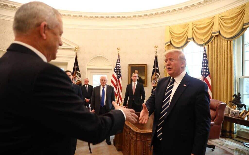 טראמפ וגנץ בפגישתם בבית הלבן, הערב (צילום: אלעד מלכה)