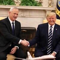 דונלד טראמפ ובני גנץ בפגישתם בבית הלבן, ב-27 בינואר 2020 (צילום: אלעד מלכה)