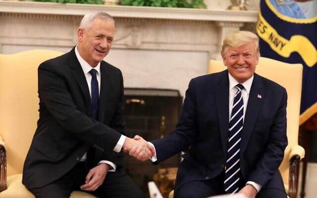 טראמפ וגנץ בפגישתם בבית הלבן, ב-27 בינואר 2020 (צילום: אלעד מלכה)