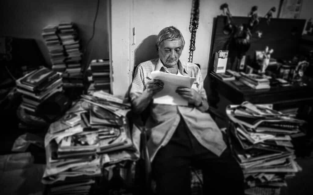 גבריאל מוקד, 20 באוגוסט 2010 בדירתו בתל אביב (צילום: באדיבות אייל וורשבסקי פרויקט לונקה)