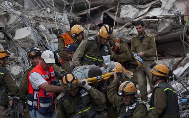 משלחת הצלה ישראל להאיטי, אחרי רעידת האדמה ב-2010 (צילום: AP Photo/Ramon Espinosa)