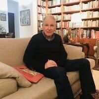 פרופסור מני מאוטנר בביתו בתל אביב (צילום: אמיר בן-דוד)
