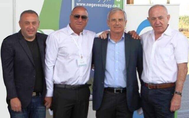 משמאל: משה בורכוב (צילום: מתוך אתר המשרד להגנת הסביבה)