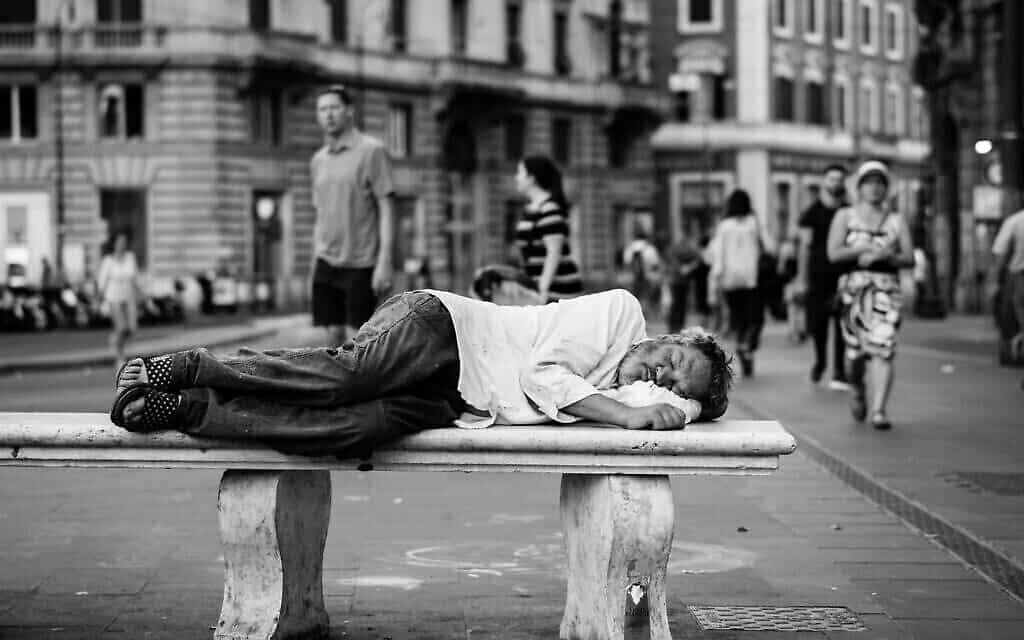 עוני, אילוסטרציה (צילום: John Moeses Bauan on Unsplash)