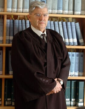 אהרן ברק ב-2006, בעת שהיה נשיא בית המשפט העליון (צילום: יוסי זמיר/פלאש90)