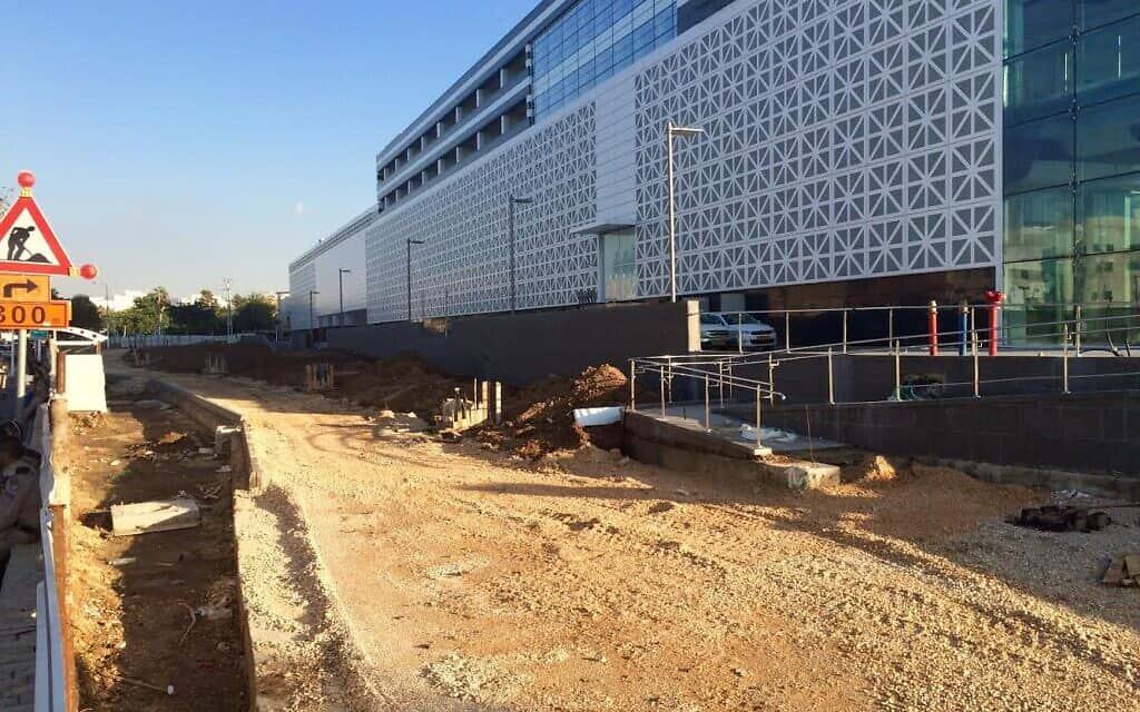 קניון ארנה במהלך עבודות הבנייה (צילום: אורית קרן-רייך)
