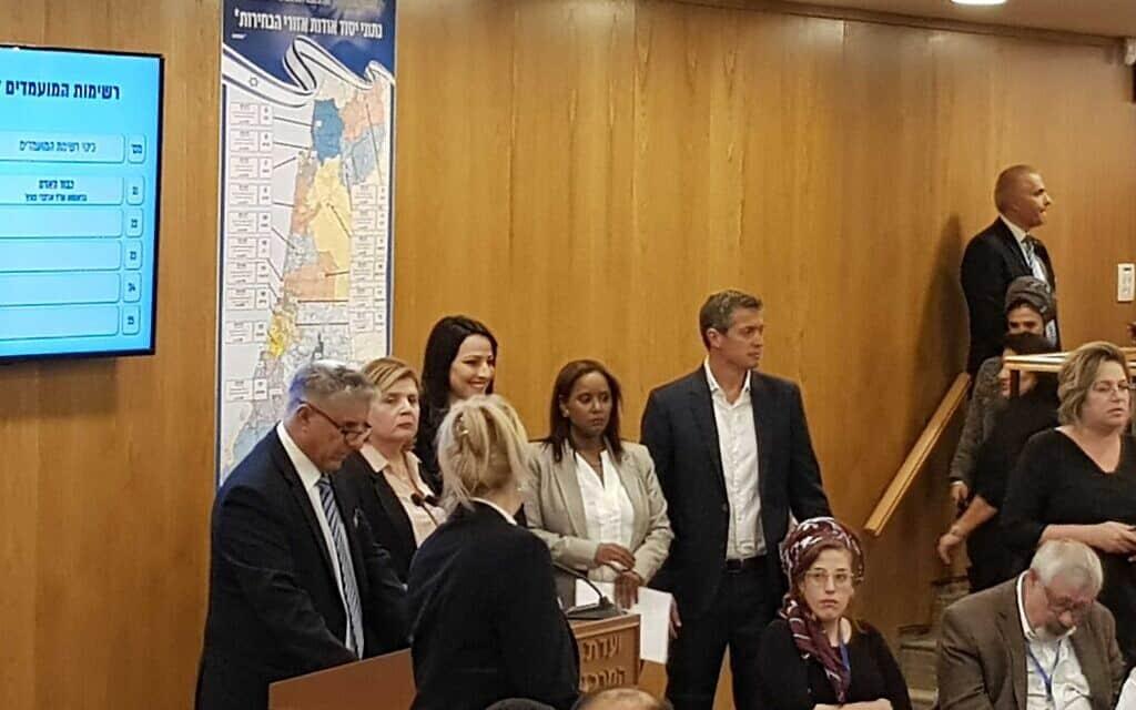 מפלגת כחול לבן מגישה את רשימתה (צילום: ראול ווטליף/זמן ישראל)