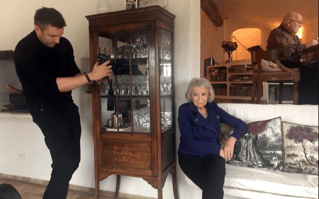 תומאש לאזאר מצלם את אמו, מדלן קהאן (צילום: באדיבות אנה-פרטישה קהאן פרויקט לונקה)