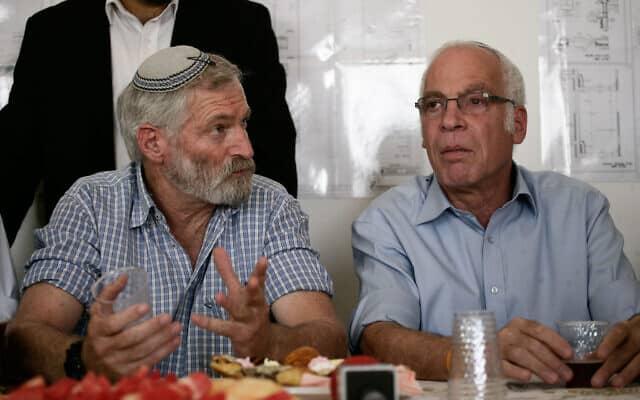 """זאב חבר (""""זמביש"""") והשר לשעבר אורי אריאל (צילום: פלאש 90)"""