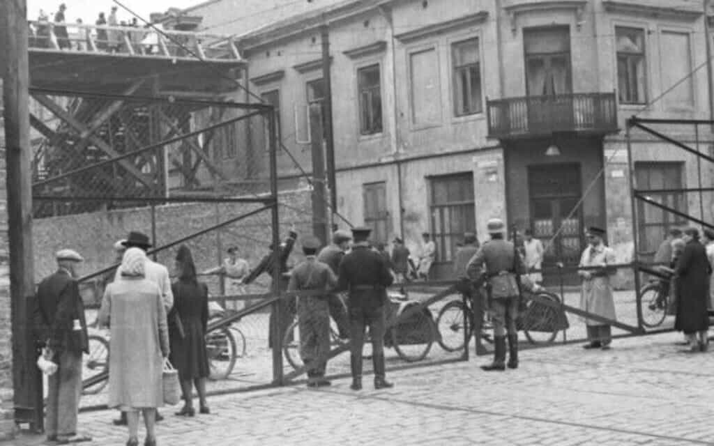 גטו ורשה ב-1942 (צילום: CC-BY-SA Bundesarchiv, Bild 101I-270-0298-10 / Amthor)