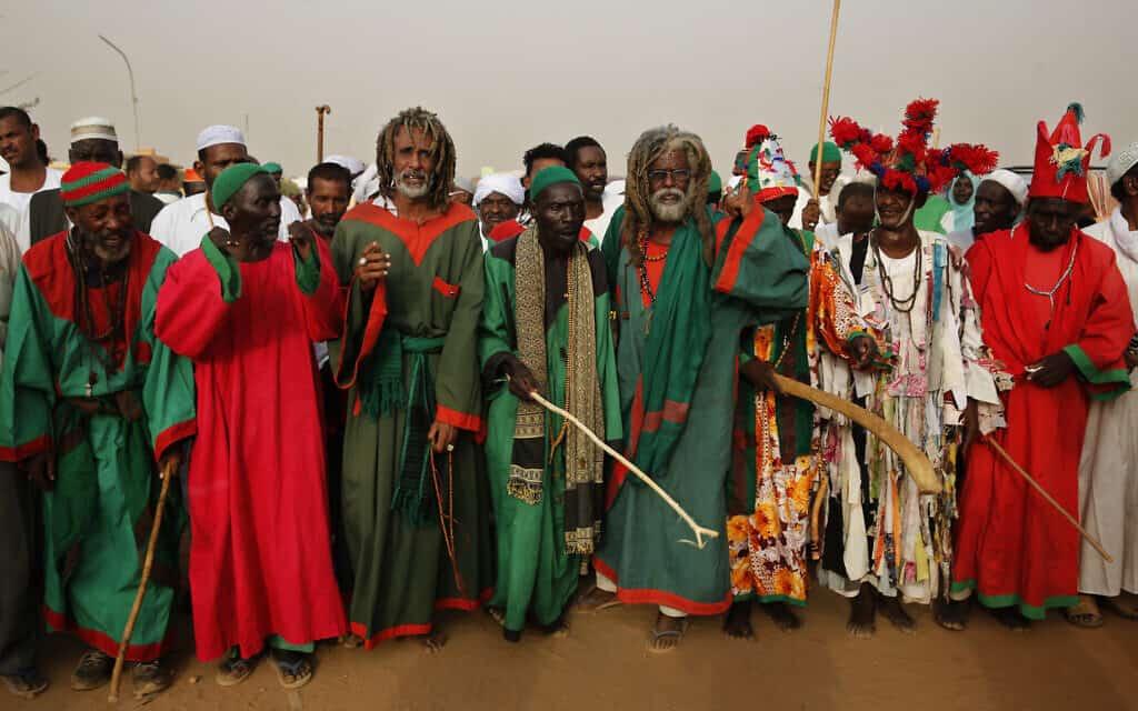טקס דתי של שבט בסודאן, ארכיון, 2019 (צילום: AP Photo/Hussein Malla)