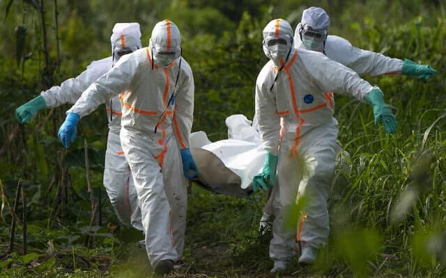 התפרצות האבולה בקונגו. שני שלישים מהחולים שמתו במדינה מהמגיפה היו נשים (צילום: AP Photo/Jerome Delay)