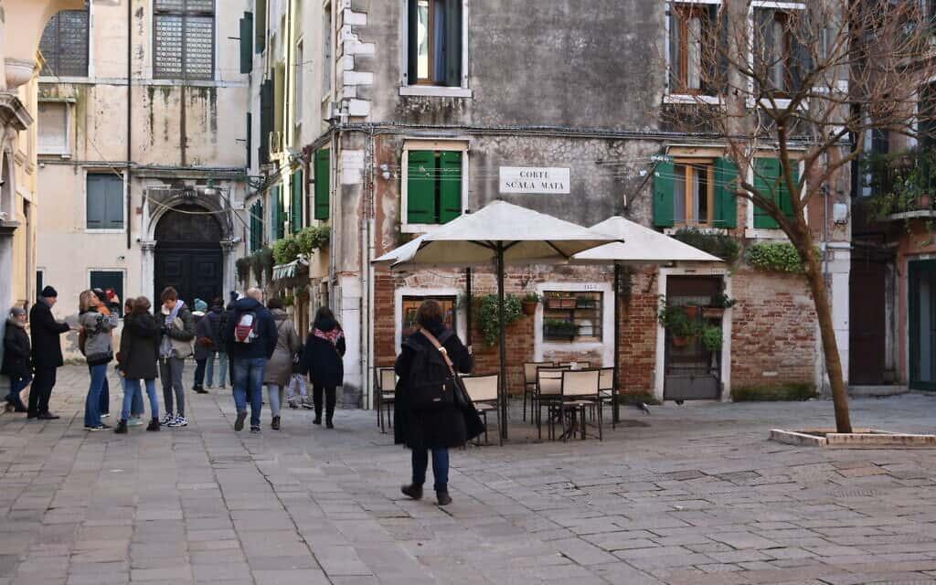 ה-Campo de Getto Nuovo, הגטו הדתי היהודי של ונציה והמרכז המסחרי, 28 בדצמבר, 2019 (צילום: ג'יאובני וינגה\ Times of Israel)