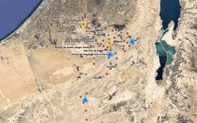 הנקודות האדומות במפה מסמנות את מיקומם של 36 כפרים בלתי מוכרים של הבדוואים בנגב. (צילום מסך מתוך אתר dukium.org)