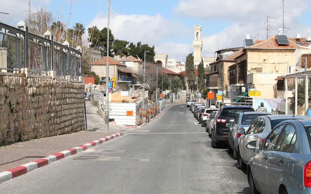 רחוב שבטי ישראל בירושלים, מחוץ לחומות העיר העתיקה (צילום: שמואל בר-עם)