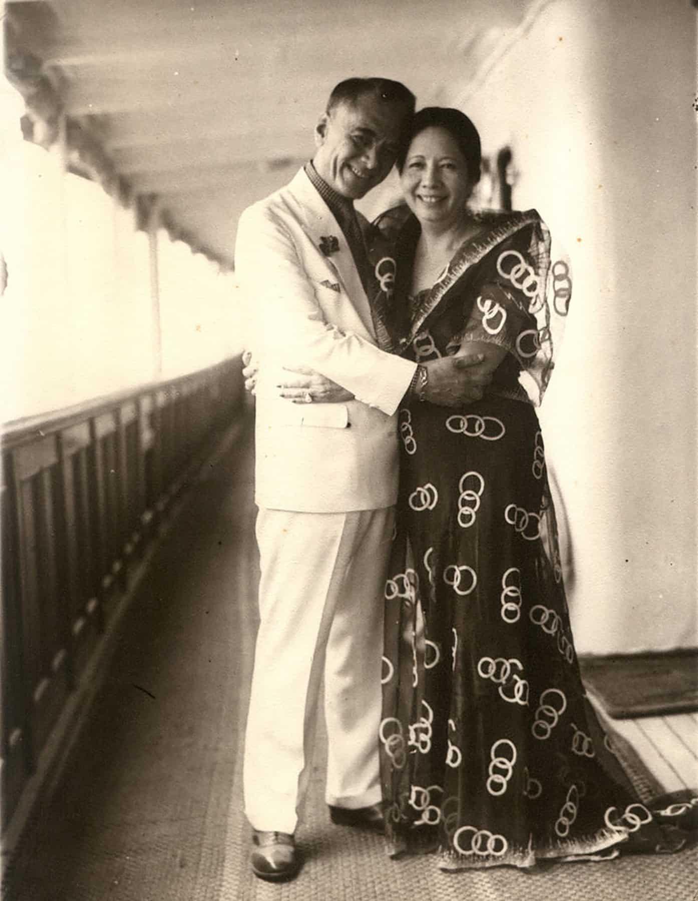 נשיא הפיליפינים מנואל ל. קויזון עם אשתו, אורורה קויזון, בתמונה ללא תאריך (צילום: באדיבות אוסף משפחת קויזון)
