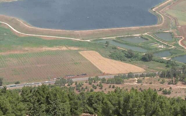 האתר בייסמון ושטח החפירה (צילום: רשות העתיקות)