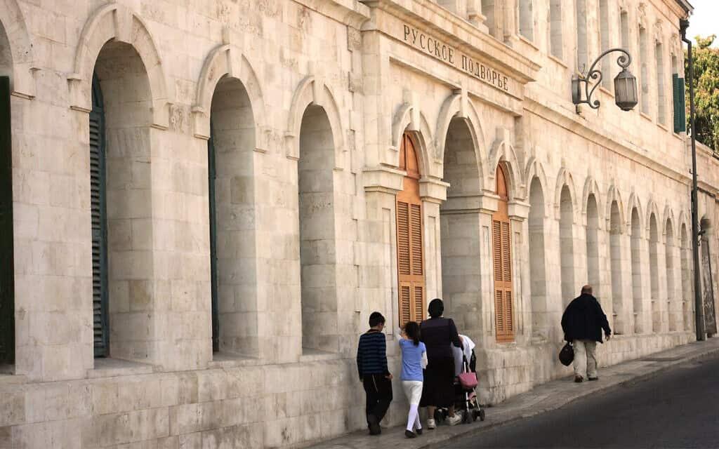 אכסניה שנבנתה עבור אצילים רוסים בסוף המאה ה-19, אשר נפתחה מחדש ב-2017 בתור מלון 'סרגיי פאלאס' (צילום: שמואל בר-עם)