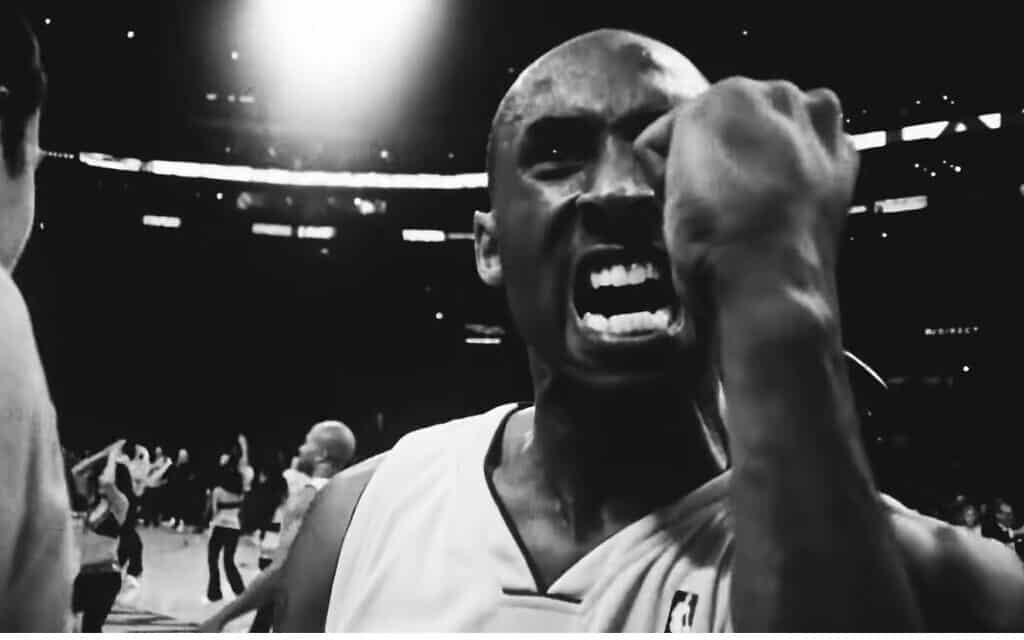 קובי בריאנט, צילום מסך מתוך: Kobe Bryant's BEST 100 Plays & Moments Of His NBA Career