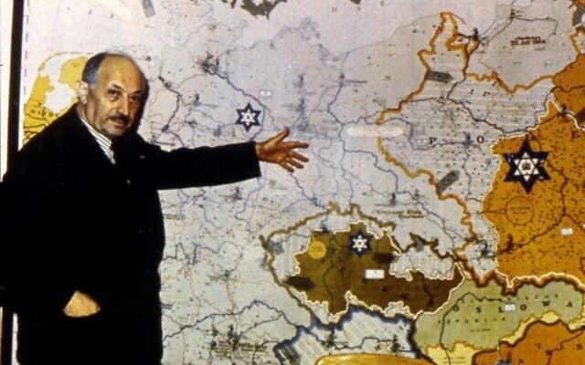 שמעון ויזנטל התפרסם לאחר מלחמת העולם השנייה על פועלו כצייד נאצים (צילום: SeM/יוניברסל אימג'ס באמצעות גטי אימג'ס)